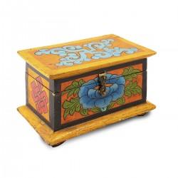Caja de madera pintada a...