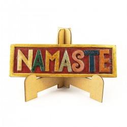 Namaste en madera