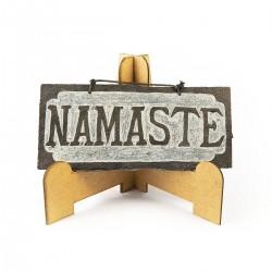 Namaste pequeño en pizarra